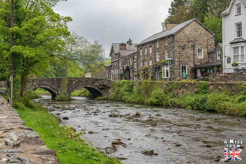 Beddgelert dans le Snowdonia - Les endroits à voir absolument au Pays de Galles en dehors de Cardiff – Découvrez quels sont les lieux incontournables au Pays de Galles et les plus beaux endroits du Pays de Galles à visiter pendant votre voyage   A Kiss from UK