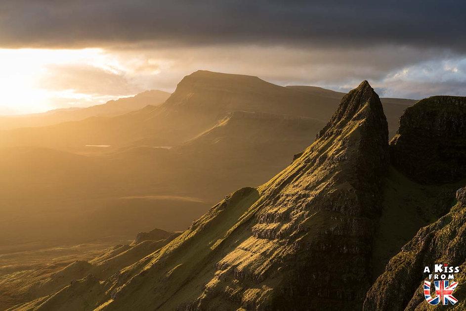 Le Quiraing sur l'île de Skye - Les plus beaux paysages d'Ecosse. Découvrez quels sont les plus beaux endroits d'Ecosse et les plus belles merveilles naturelles d'Ecosse avec A Kiss from UK, le guide et blog du voyage en Grande-Bretagne.