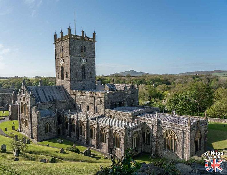 St Davids et sa Cathédrale dans le Pembrokeshire - Que voir dans le Pembrokeshire au Pays de Galles ? Visiter le Pembrokeshire avec A Kiss from UK, le guide et blog voyage en Grande-Bretagne.