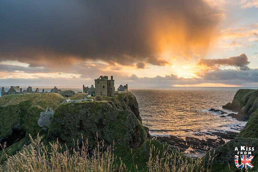 Dunnottar Castle - Que voir dans les Cairngorms en Ecosse ? Visiter les Cairngorms avec A Kiss from UK, le guide et blog du voyage en Ecosse.