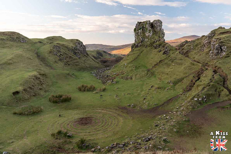 Fairy Glen - Que faire et que voir sur l'île de Skye en Ecosse ? Visiter les plus beaux endroits de l'île de Skye avec notre guide complet.