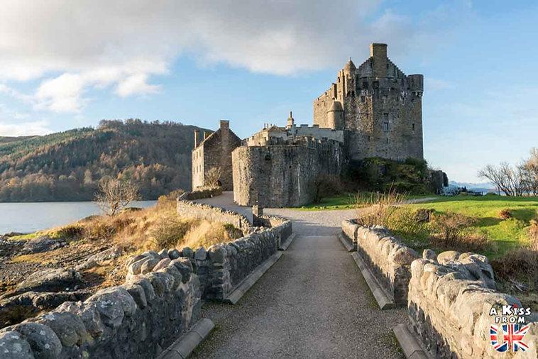 Eilean Donan Castle - Visiter le Kyle of Lochalsh - Que faire et que voir sur l'île de Skye en Ecosse ? Visiter les plus beaux endroits de l'île de Skye avec notre guide complet.