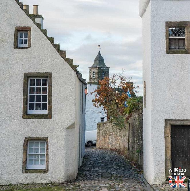 Le village de de Culross dans la péninsule de Fife en Ecosse - Découvrez les 30 plus beaux villages de Grande-Bretagne. Le classement des plus beaux villages d'Angleterre, d'Ecosse et du Pays de Galles par A Kiss from UK