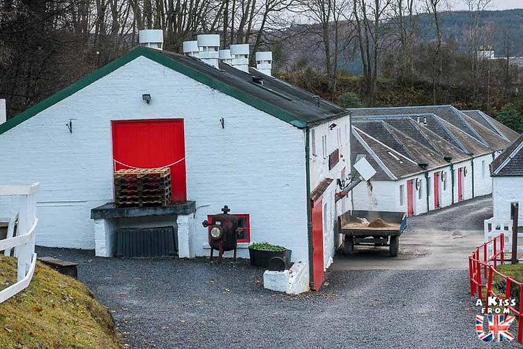 La distillerie Edradour - Les choses à faire et les lieux à voir dans le Perthshire en Ecosse - Visiter le Perthshire avec A Kiss from UK, le blog du voyage en Ecosse.