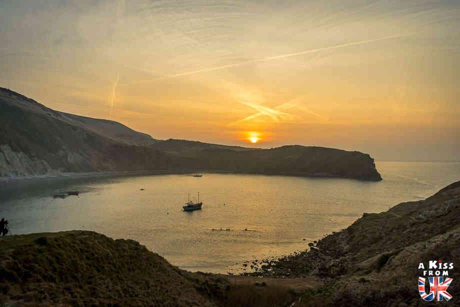 Lulworth Cove - Que faire dans le Dorset en Angleterre ? Visiter les plus beaux endroits à voir dans le Dorset et la Jurassic Coast avec notre guide complet.