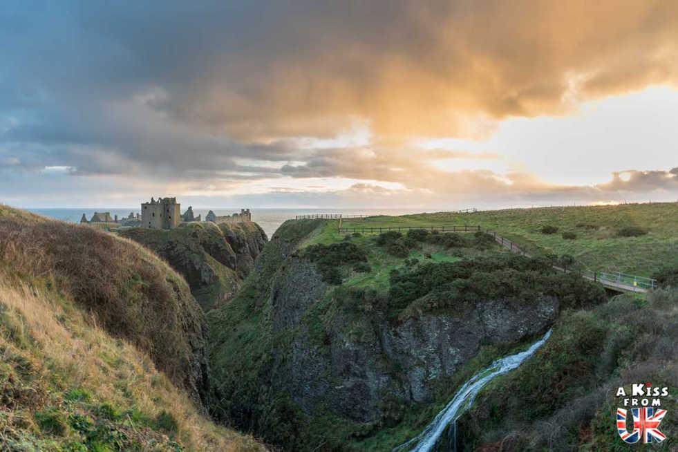 Dunnotar Castle - Que voir dans les Cairngorms en Ecosse ? Visiter les Cairngorms avec A Kiss from UK, le guide et blog du voyage en Ecosse.