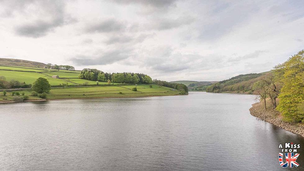 Ladybower Reservoir - A faire et à voir dans le Peak District en Angleterre. Visiter les plus beaux endroits du Peak District avec notre guide complet.