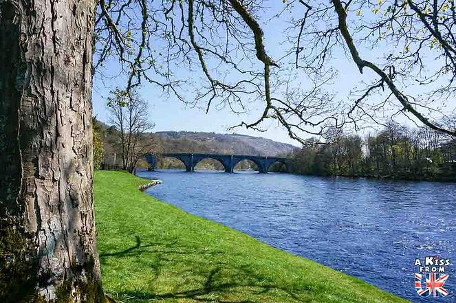 Le village de Dunkeld en Ecosse - Découvrez les 30 plus beaux villages de Grande-Bretagne. Le classement des plus beaux villages d'Ecosse, d'Angleterre et du Pays de Galles par A Kiss from UK