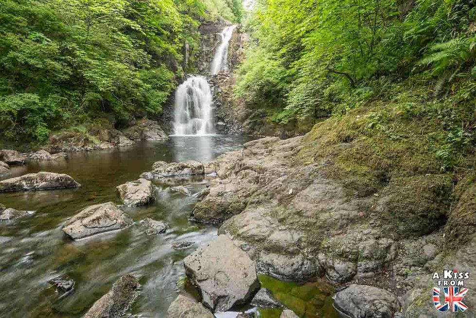Rha Waterfall - Que faire et que voir sur l'île de Skye en Ecosse ? Visiter les plus beaux endroits de l'île de Skye avec notre guide complet.