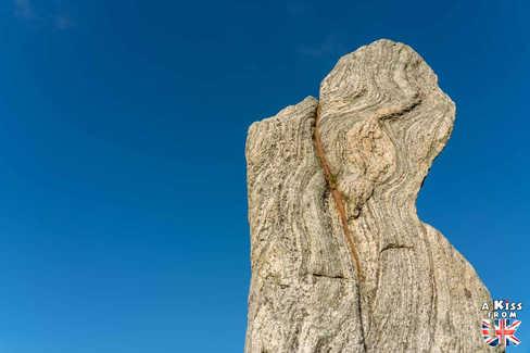 Les pierres dressées de Calanais, le site mégalithique le plus célèbre d'Ecosse - Visiter Lewis et Harris, le guide voyage complet – les lieux à voir sur l'île de Lewis & Harris dans les Hébrides Extérieures en Ecosse - A Kiss from UK, blog voyage Ecosse.