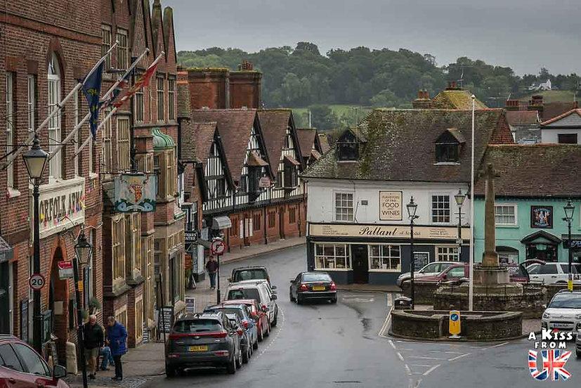 Le village d'Arundel dans le Sussex - Que voir absolument dans le Sussex en Angleterre ? Visiter le Sussex  et ses plus beaux endroits avec A Kiss from UK, le guide et blog du voyage en Angleterre.