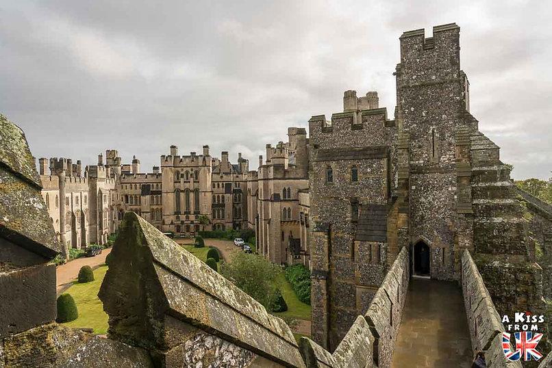 Le château d'Arundel dans le Sussex - Les lieux à voir absolument en Angleterre en dehors de Londres. Découvrez quels sont les plus beaux endroits d'Angleterre et les incontournables à visiter en dehors de Londres lors de votre voyage - A Kiss from UK, le blog du voyage en Grande-Bretagne.