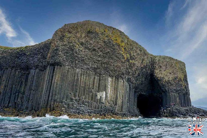 Visiter l'île de Staffa en Ecosse - A voir et à faire sur les îles de Mull, Iona et Staffa en Ecosse ? Visiter Oban et les îles de Mull, Iona et Staffa avec A Kiss from UK, le blog du voyage en Ecosse.