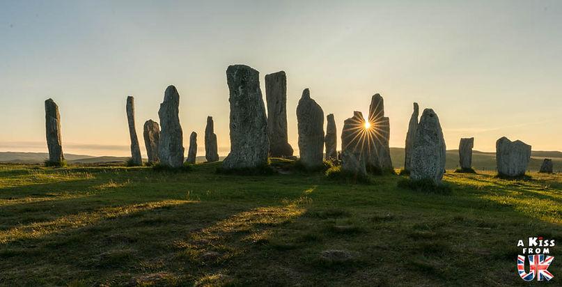 Les pierres dressées de Calanais sur Lewis et Harris - 50 endroits à voir absolument en Ecosse – Découvrez les lieux incontournables en Ecosse et les plus beaux endroits d'Ecosse à visiter pendant votre voyage | A Kiss from UK
