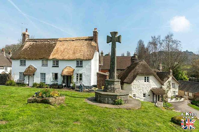 Le village de Lustleigh dans le Devon en Angleterre - Découvrez les 30 plus beaux villages de Grande-Bretagne. Le classement des plus beaux villages d'Angleterre, d'Ecosse et du Pays de Galles par A Kiss from UK