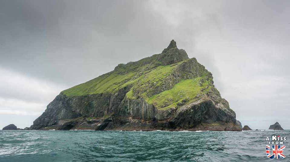 St Kilda vu de la mer - Visiter l'archipel de St Kilda en Ecosse - Que voir sur l'île de St Kilda en Ecosse ? - A Kiss from UK, guide et blog voyage sur l'Ecosse.