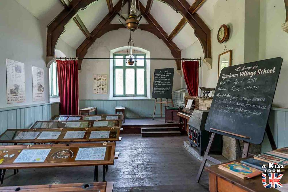 tyneham école Découvrez l'histoire du village abandonné de Tyneham, dans le Dorset, qui a contribué au succès du D-Day