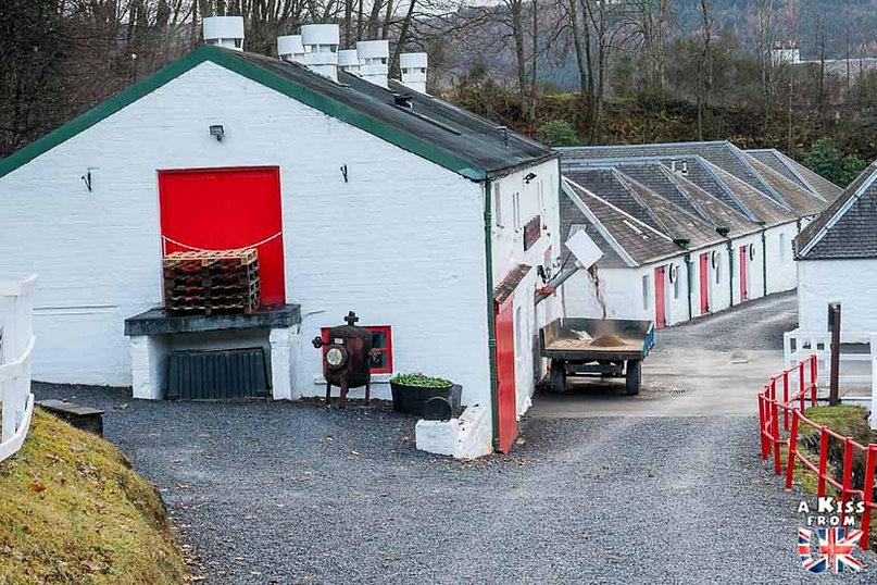 La distillerie Edradour - 50 endroits à voir absolument en Ecosse – Découvrez les lieux incontournables en Ecosse et les plus beaux endroits d'Ecosse à visiter pendant votre voyage | A Kiss from UK