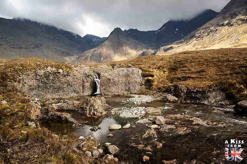 Fairy Pools sur l'île de Skye - 50 endroits à voir absolument en Ecosse – Découvrez les lieux incontournables en Ecosse et les plus beaux endroits d'Ecosse à visiter pendant votre voyage | A Kiss from UK