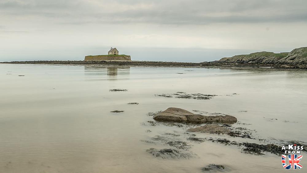 Cwyfan Church sur Anglesey - 15 photos qui vont vous donner envie de voyager au Pays de Galles après le Brexit ! - Découvrez les plus belles destinations et les plus belles régions du Pays de Galles en image.