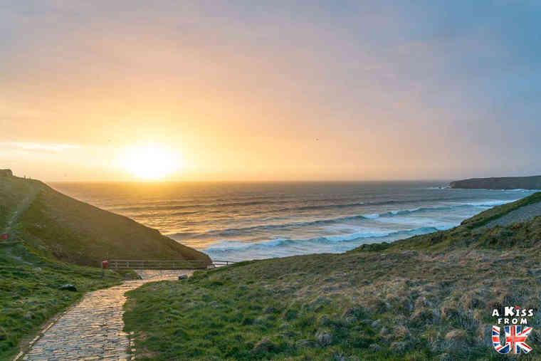 Bedruthan Steps - Que faire dans les Cornouailles en Angleterre ? Visiter les plus beaux endroits à voir absolument dans les Cornouailles avec notre guide complet.