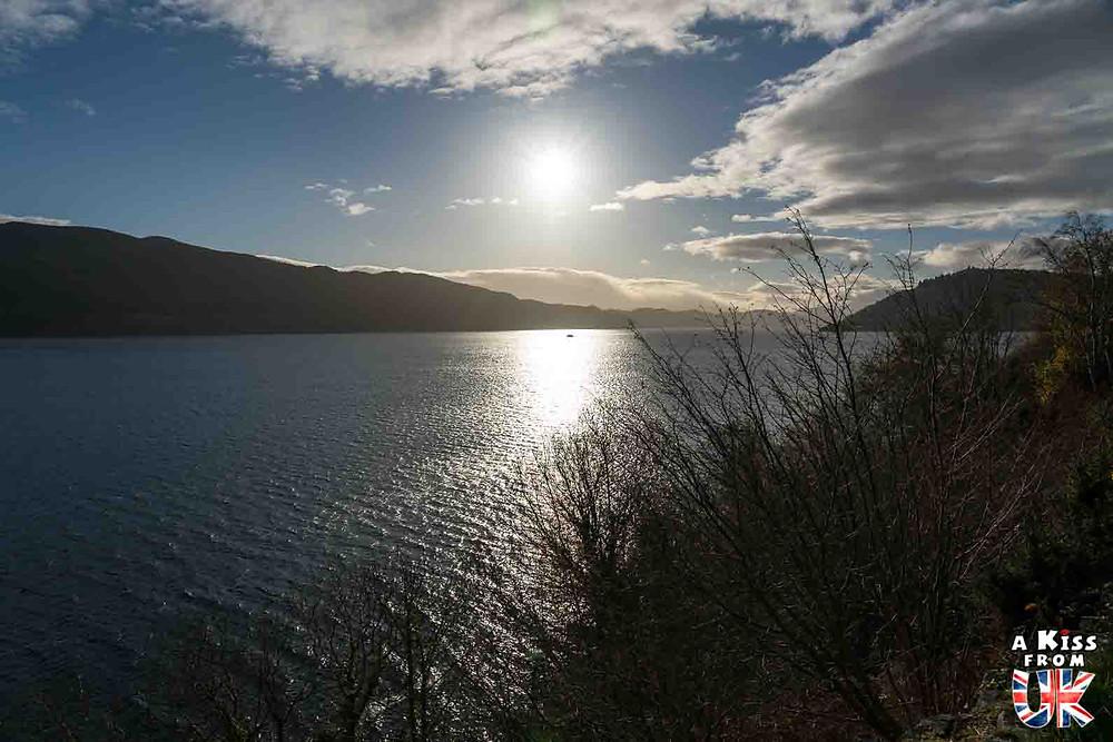 les rives du loch ness en ecosse Faut-il visiter le Loch Ness? Voyager en Ecosse et chercher le monstre du Loch Ness.  A Kiss from UK, blog de voyage ecosse angleterre et pays de galles