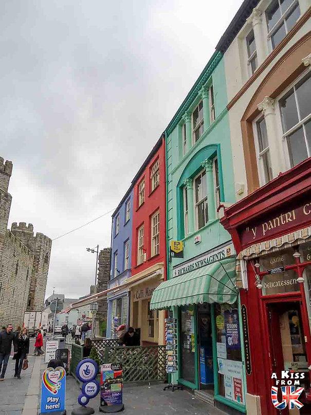 Caernafon dans le Snowdonia - Les endroits à voir absolument au Pays de Galles en dehors de Cardiff – Découvrez quels sont les lieux incontournables au Pays de Galles et les plus beaux endroits du Pays de Galles à visiter pendant votre voyage   A Kiss from UK