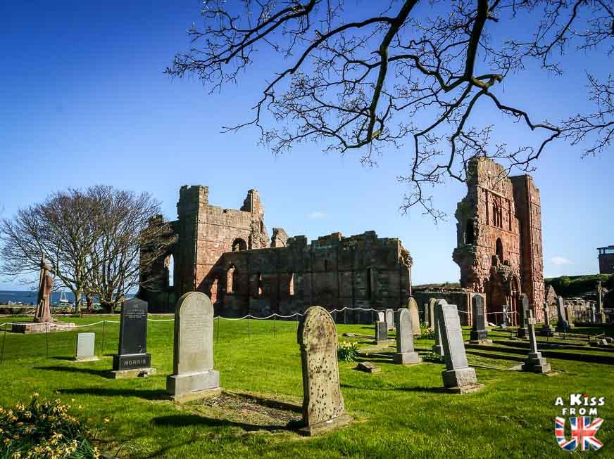 Le Prieuré de Lindisfarne dans le Northumberland - 30 photos qui vont vous donner envie de voyager en Angleterre après l'épidémie de coronavirus - Découvrez les plus belles destinations et les plus belles régions d'Angleterre à visiter.