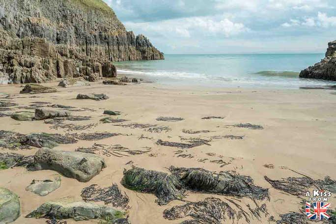 Manorbier Beach - Que voir dans le Pembrokeshire au Pays de Galles ? Visiter le Pembrokeshire avec A Kiss from UK, guide & blog voyage sur l'Ecosse, l'Angleterre et le Pays de Galles.