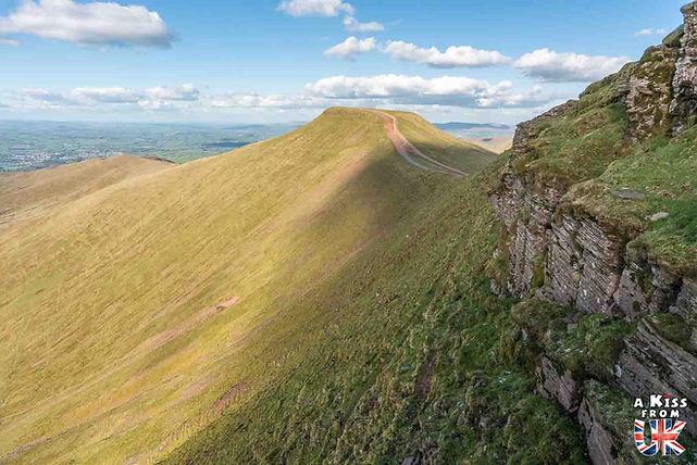 Les Brecon Beacons. Les régions du Pays de Galles à visiter. Voyagez à travers les plus belles régions du Pays de Galles avec nos guides voyage et préparez votre séjour dans les endroits incontournables de Grande-Bretagne.