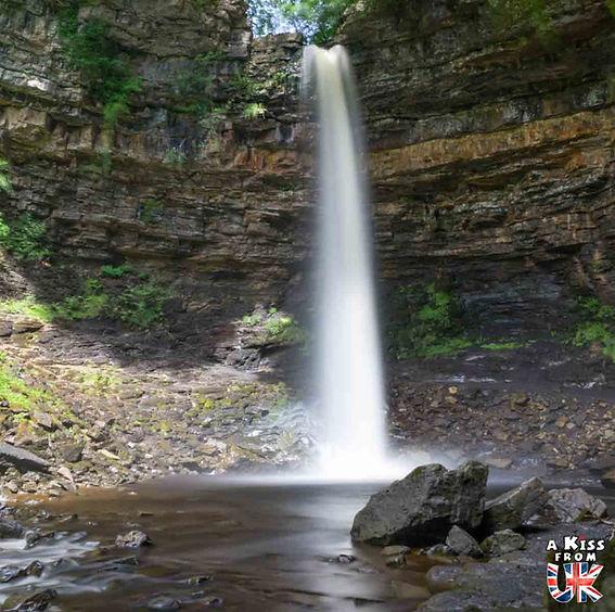 Hardraw Force - Que voir dans les Yorkshire Dales en Angleterre ? Visiter les Yorkshire Dales avec A Kiss from UK, le blog du voyage en Ecosse, Angleterre et Pays de Galles.