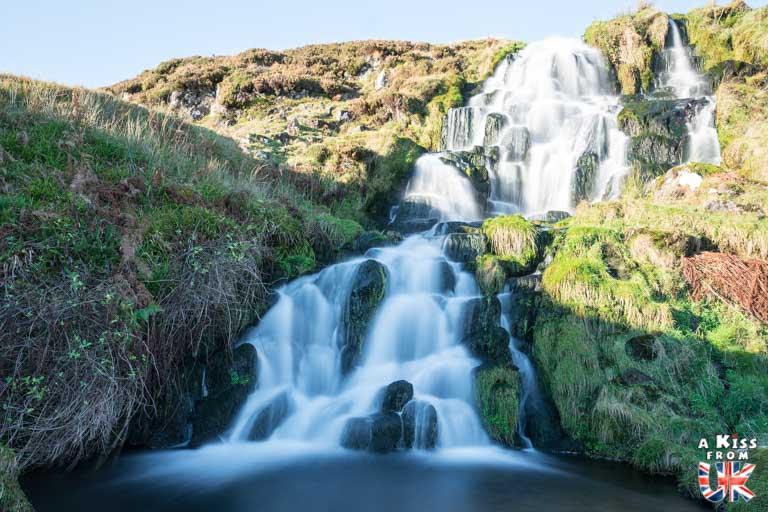 La cascade de Bride's Vail sur l'île de Skye – Visiter l'île de Skye en 4 Jours – Découvrez un itinéraire de road trip en Ecosse pour passer 4 jours sur l'île de Skye - A Kiss from UK le guide et  blog voyage Ecosse.