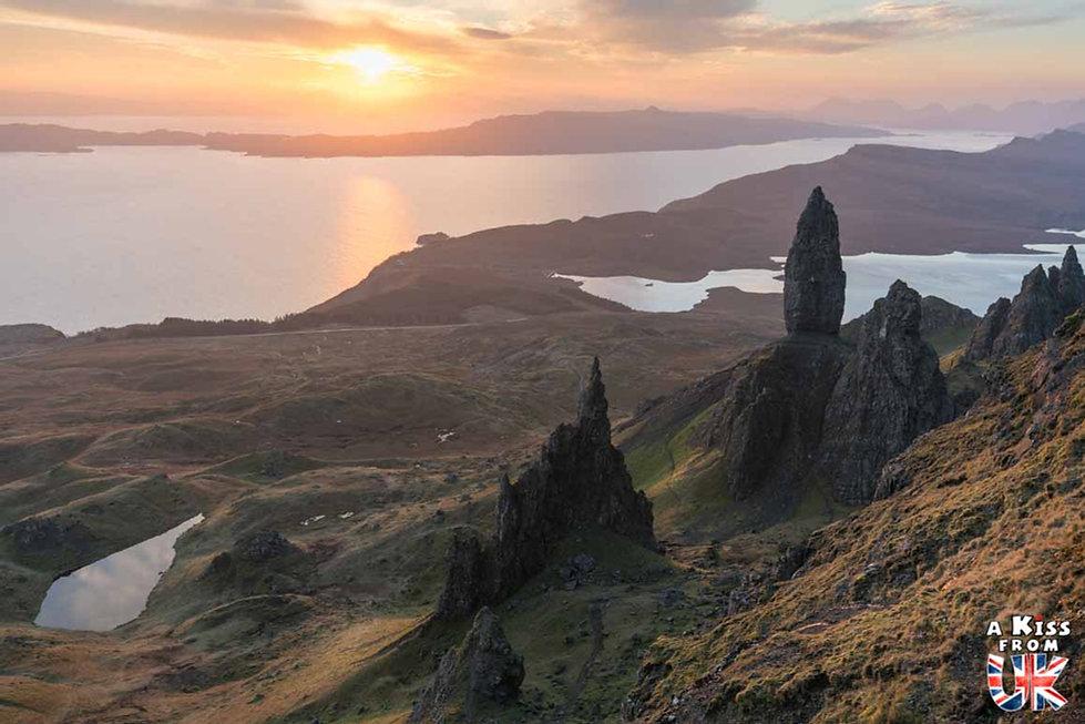 Le Old Man of Storr sur l'île de Skye – Visiter l'île de Skye en 4 Jours – Découvrez un itinéraire de road trip en Ecosse pour passer 4 jours sur l'île de Skye - A Kiss from UK le guide et  blog voyage Ecosse.