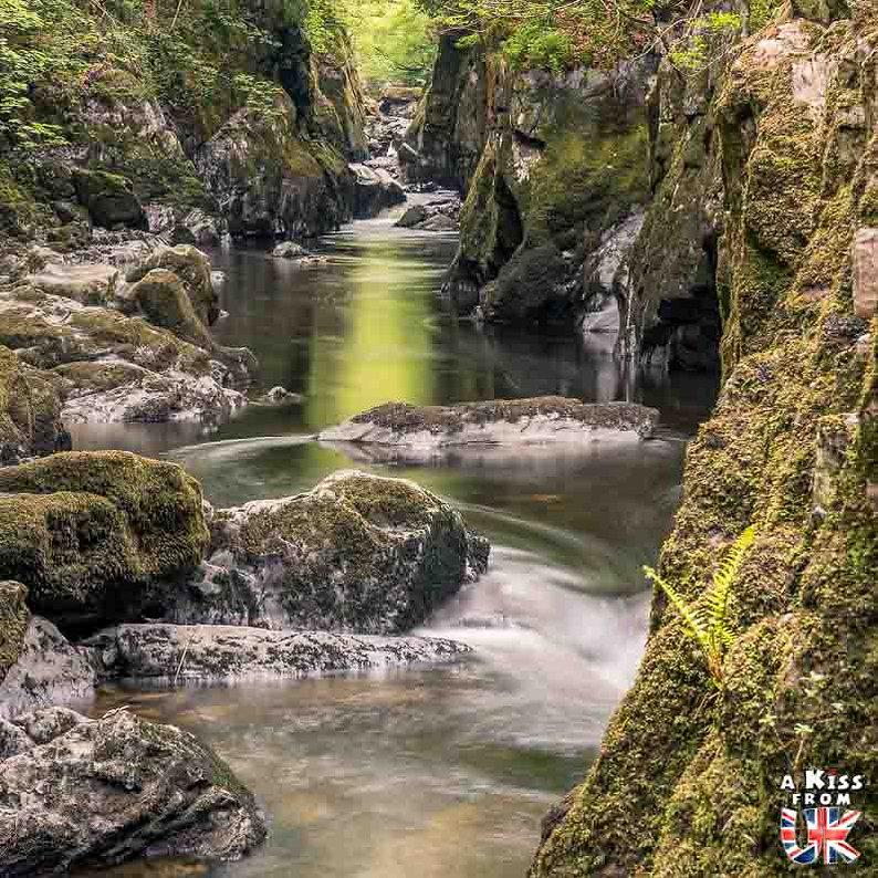 Fairy Glen dans le Snowdonia - Que voir dans le Parc National du Snowdonia au Pays de Galles ? Visiter le Snowdonia avec A Kiss from UK, blog du voyage en Ecosse, Angletere et Pays de Galles.