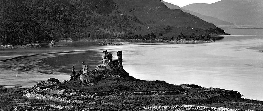 Eilean Donan Castle avant sa reconstruction - Eilean Donan Castle, la reconstruction du plus célèbre château d'Ecosse. Découvrez l'histoire du château d'Eilean Donan en Ecosse. | A Kiss From UK