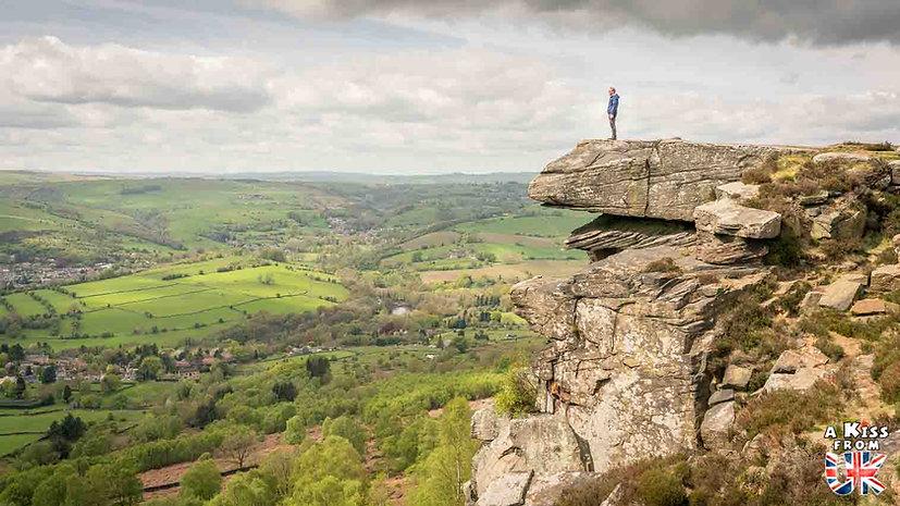 Curbar Edge - A faire et à voir absolument dans le Peak District en Angleterre. Visiter les plus beaux endroits du Peak District avec notre guide complet. A Kiss From UK, le blog du voyage en Angleterre.