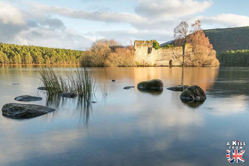 Loch An Eilein - Que voir dans les Cairngorms en Ecosse ? Visiter les Cairngorms avec A Kiss from UK, le guide et blog du voyage en Ecosse.