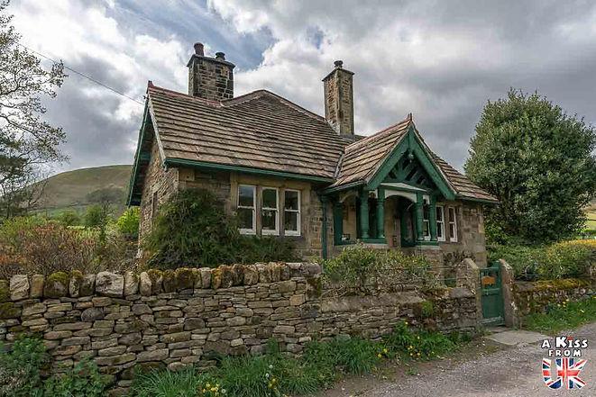Le village d'Edale dans le Peak District en Angleterre - Découvrez les 30 plus beaux villages de Grande-Bretagne. Le classement des plus beaux villages d'Angleterre, d'Ecosse et du Pays de Galles par A Kiss from UK