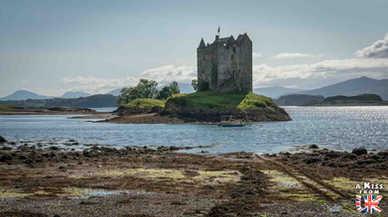 Castle Stalker - A faire et à voir dans le Glencoe et sa région en Ecosse. Visiter le Glencoe avec A Kiss from UK, le guide et blog du voyage en Ecosse.