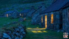 Les maisons de St Kilda la nuit - Visiter St Kilda en Ecosse - Que voir sur l'île de St Kilda en Ecosse ? - A Kiss from UK, guide et blog voyage sur l'Ecosse.