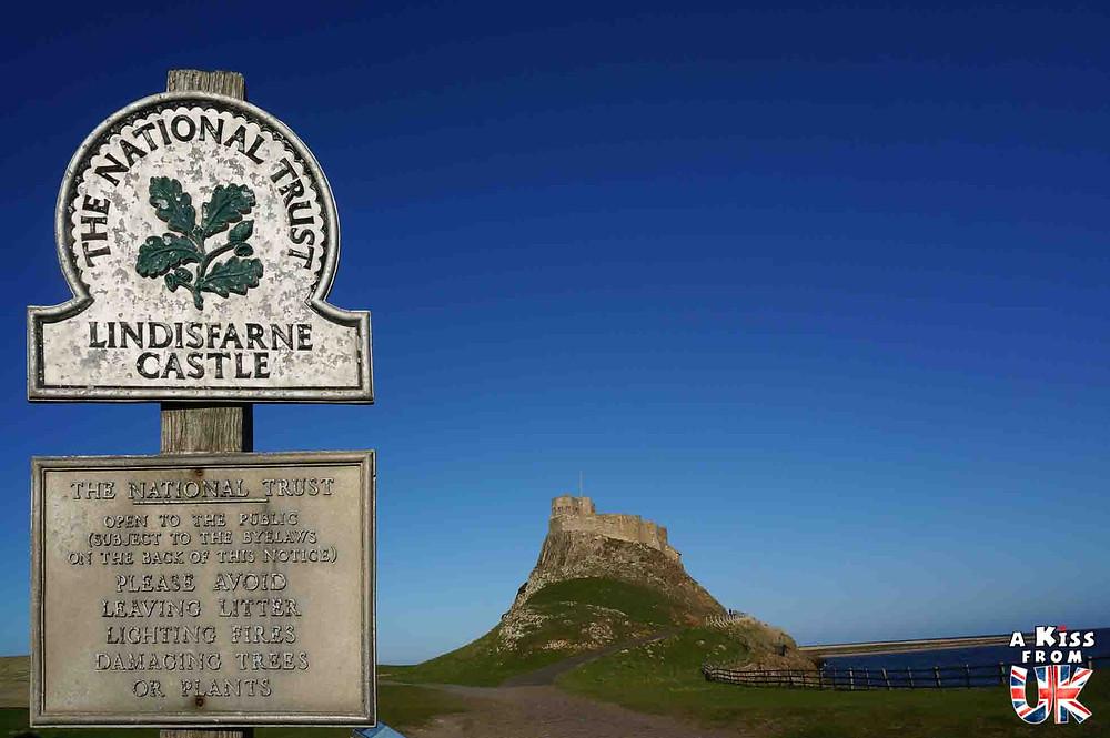 le chateau de lindisfarne - Lindisfarne et la première invasion viking de l'Histoire en 793