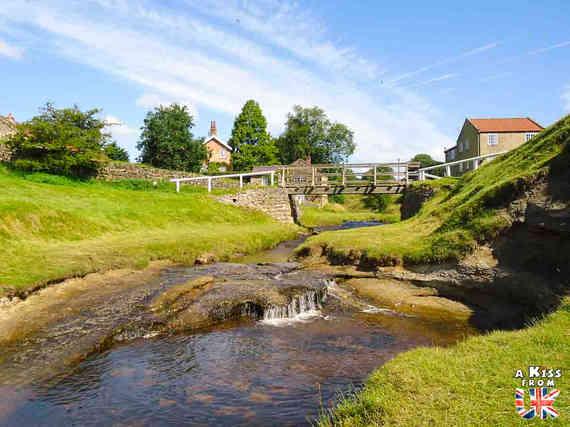 Hutton-le-Hole - Que voir absolument dans les North York Moors en Angleterre ? Visiter les North York Moors avec A Kiss from UK, le guide & blog du voyage en Ecosse, Angleterre et Pays de Galles
