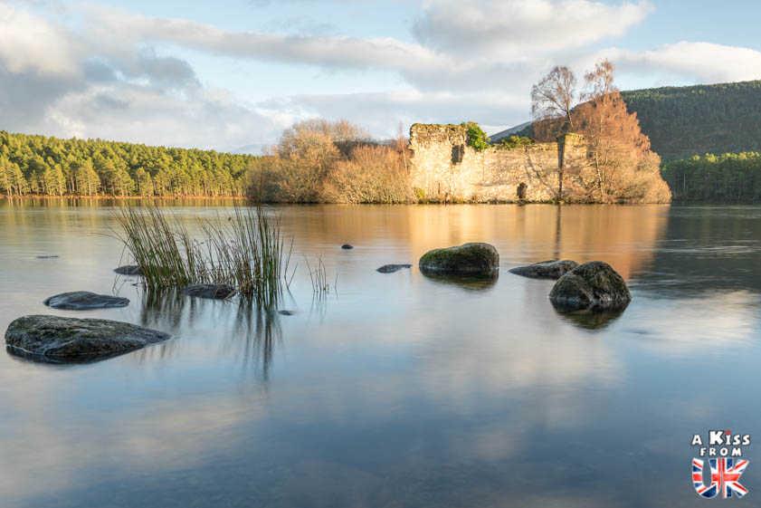 Loch An Eilein - Que voir dans les Cairngorms en Ecosse ? Visiter les Cairngorms avec A Kiss from UK, le guide et blog du voyage en Ecosse