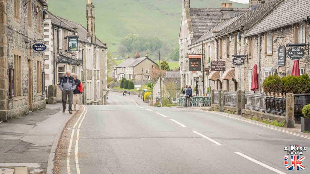 Castleton - A faire et à voir absolument dans le Peak District en Angleterre. Visiter les plus beaux endroits du Peak District avec notre guide complet.