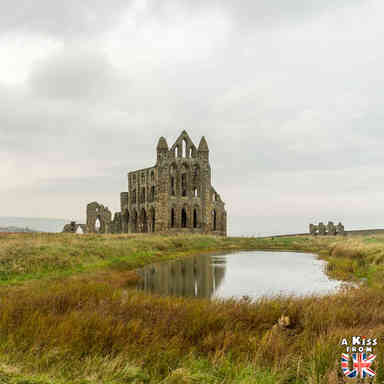 Whitby - Que voir dans les North York Moors en Angleterre ? Visiter les North York Moors avec A Kiss from UK, le guide & blog du voyage en Ecosse, Angleterre et Pays de Galles