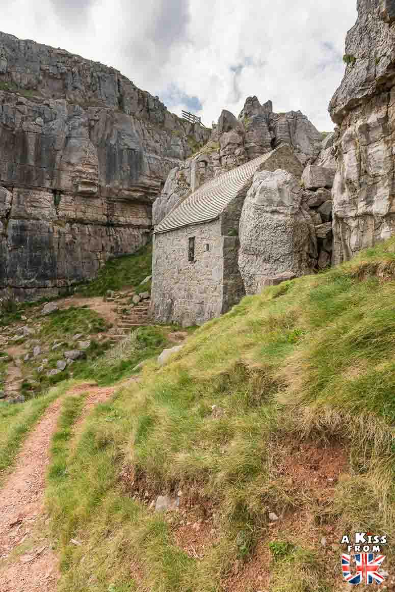 St Govan's Church dans le Pembrokeshire - 15 photos qui vont vous donner envie de voyager au Pays de Galles après le Brexit ! - Découvrez les plus belles destinations et les plus belles régions du Pays de Galles en image.