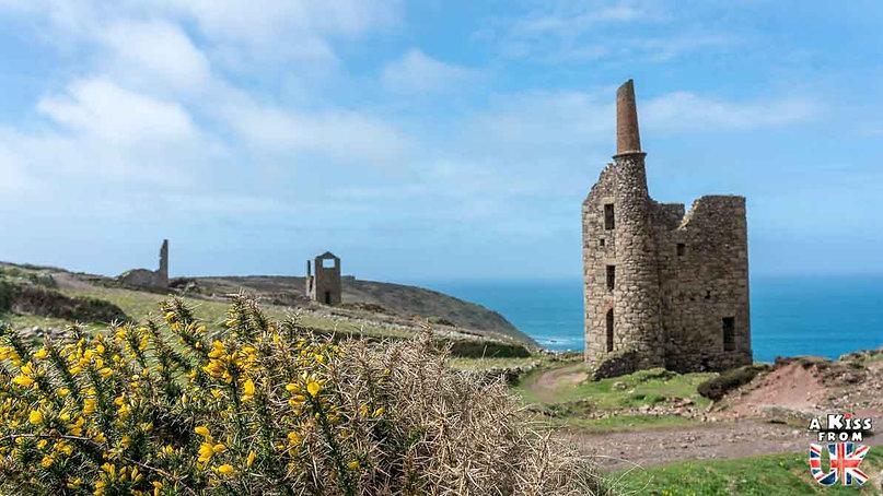 Botallack Mine dans les Cornouailles - Visiter l'Angleterre : les incontournables ! - 25 endroits à voir absolument en Angleterre en dehors de Londres - A Kiss from UK, le guide et blog du voyage en Grande-Bretagne.