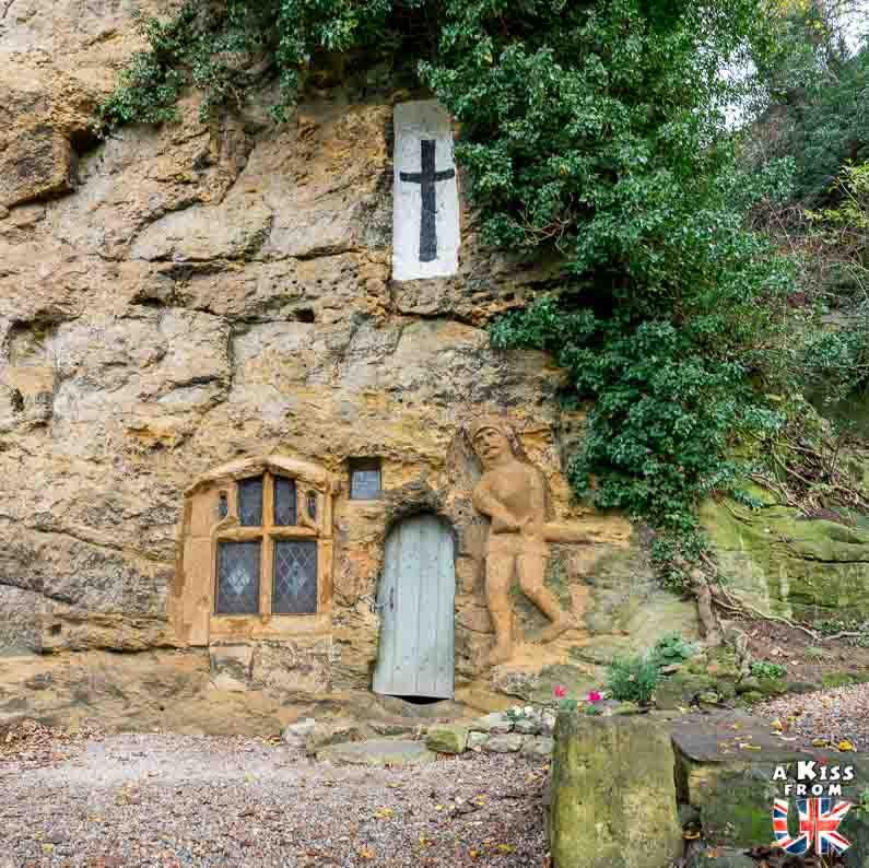 Our Lady of the Crag à Knaresborough dans le Yorkshire - Les lieux à voir absolument en Angleterre en dehors de Londres. Découvrez quels sont les plus beaux endroits d'Angleterre et les incontournables à visiter en dehors de Londres lors de votre voyage - A Kiss from UK, le blog du voyage en Grande-Bretagne.