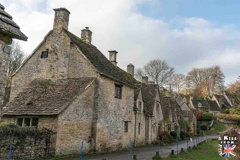 Bibury dans les Cotswolds - Visiter l'Angleterre : les incontournables ! - 25 endroits à voir absolument en Angleterre en dehors de Londres - A Kiss from UK, le guide et blog du voyage en Grande-Bretagne.