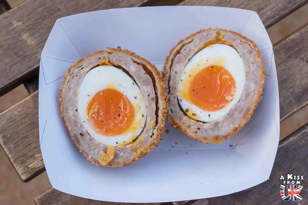Le Scotch Egg, une spécialité culinaire écossaise à goûter pendant votre voyage en Ecosse.